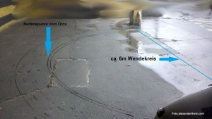 Bild von Reifenspuren des Orca mit einem Durchmesser von 6 Metern