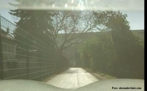 Foto des frisch asphaltierten Radwegs um die Kosteheimer Mainschleuse